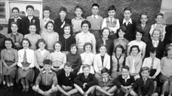 Murrayburn Primary School Class of 1954-Teacher Unknown