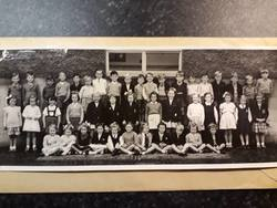 Murrayburn Primary School Class 1954 -  Teacher Unknown