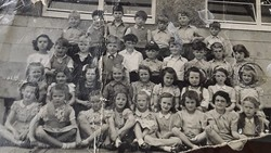 Murrayburn Primary School Class of 1950 - Teacher Unknown.