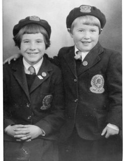 Murrayburn Primary School Uniform 1954/55