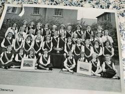 Murrayburn Primary School Netball and Overheadball Teams 1954.