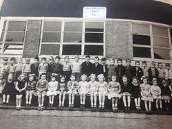 Murrayburn Primary School- Miss Cowe's Class P2 of 1949