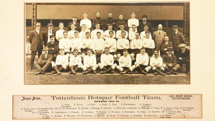 John Fleming a Fisherrow lad in the Tottenham Hotspur team Photo 1913 - 1914