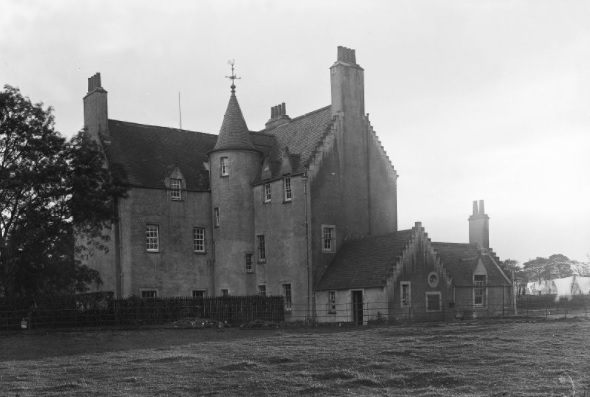 Saughton House off the Old Calder Road (Picture 1)