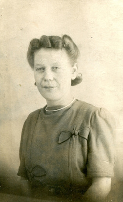 Sudio Portrait Of Woman c.1943