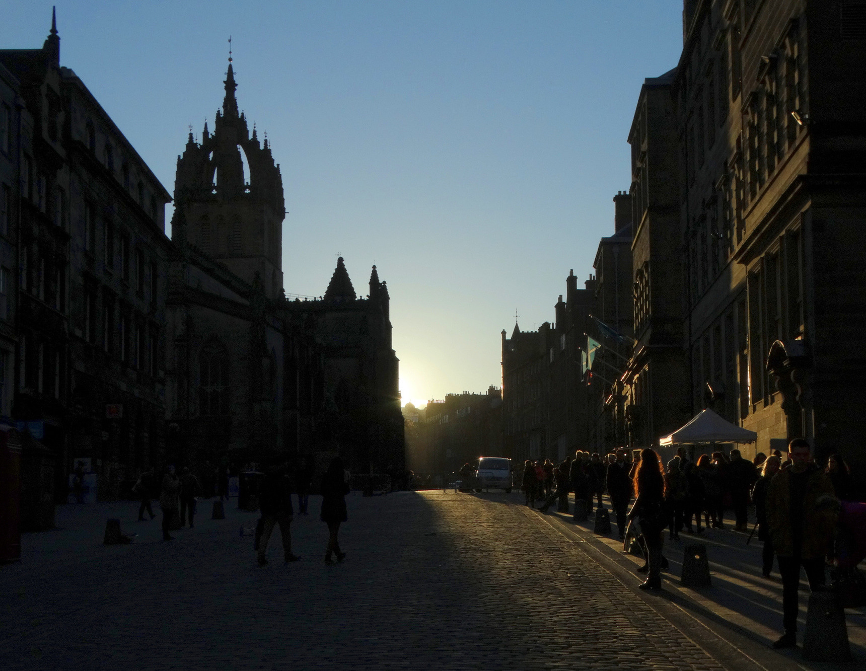 Winter sun streaming down the High Street