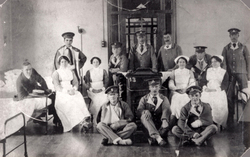 Convalescent Soldiers And Nurses In Ward c.1916