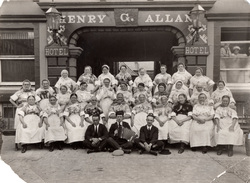 Newhaven Fishwives Choir Outside The Henry G Allan Hotel 1930s