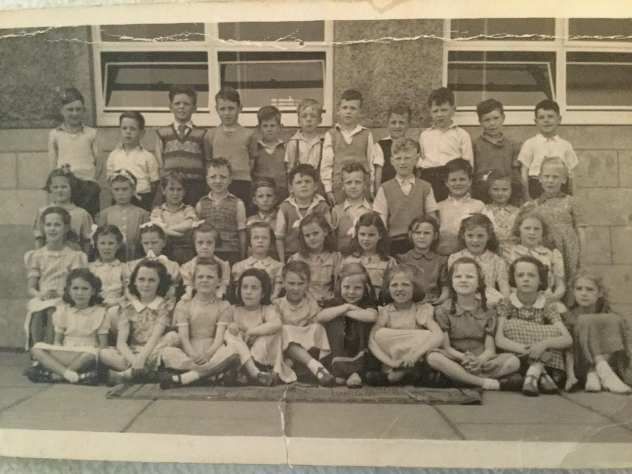 Murrayburn Primary School -- Class of 1952/3