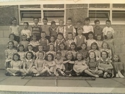Murrayburn Primary School -- Class of 1952/3