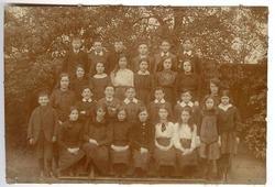 1918 Holy Cross pupils