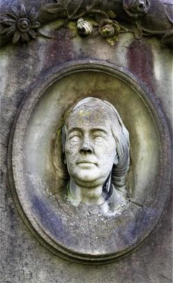 Detail on gravestone