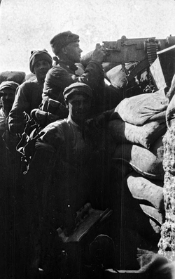 Soldiers Of The 7th Royal Scots Manning Machine Gun At 'The Vineyard' Trenches On The Gallipoli Peninsula 1915