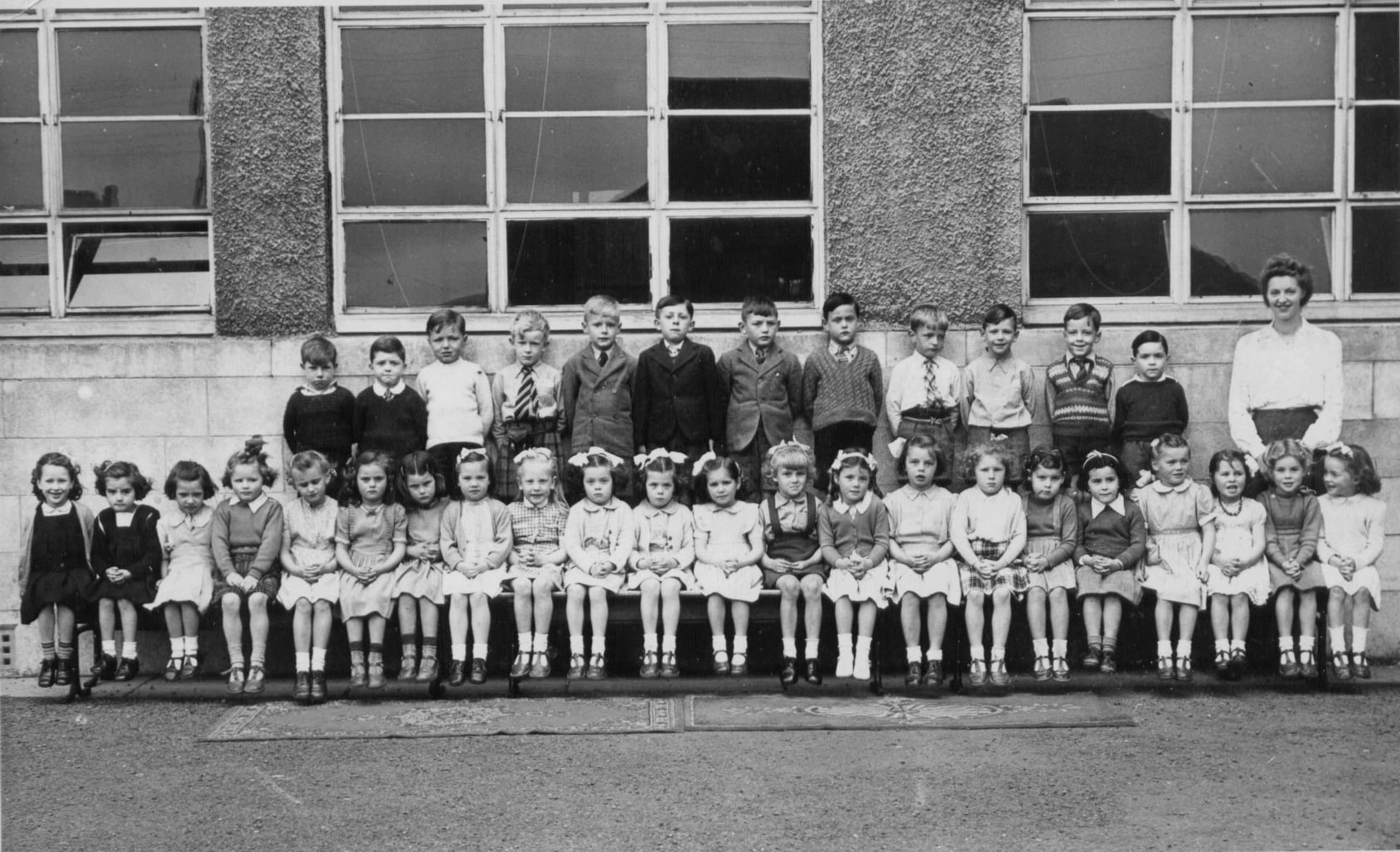 Murrayburn Primary School - Miss Jenkins Class of 1948