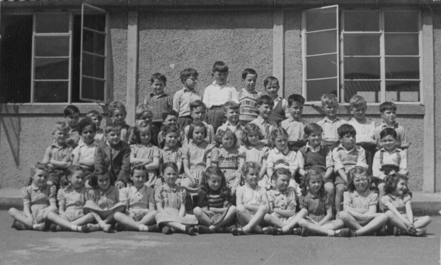 Murrayburn Primary School Class around 1952 -Teacher unknown