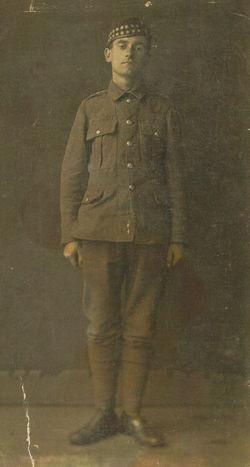 My Grandfather John Shaw  born 1896 - aged 18. Army photo Edinburgh.