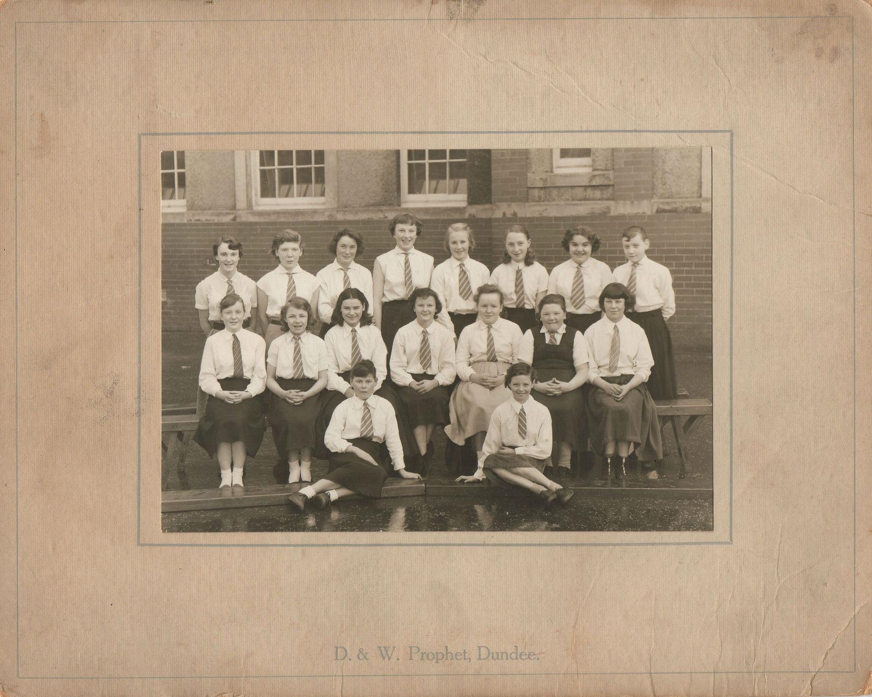 Bellevue Secondary School Class Photo.