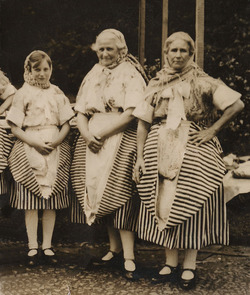 Fishwives in costume
