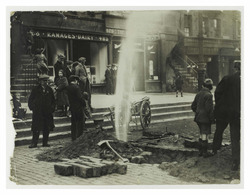 Burst waterpipe in the Lawnmarket