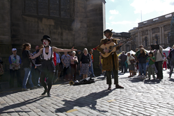 Impromptu street performance, Edinburgh Fringe