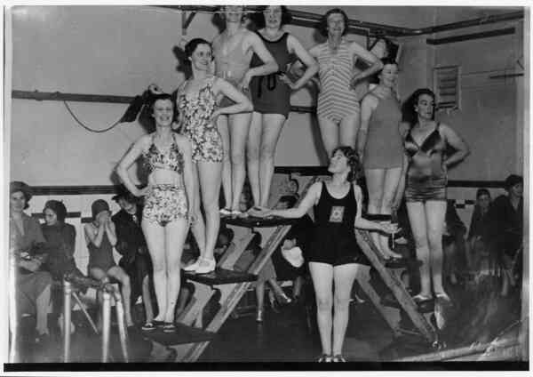 Lady Swimmers At Portobello Baths, late 1940s