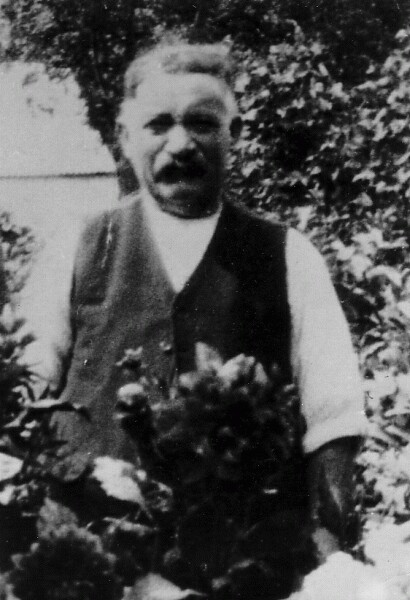 'Grandfather Smith' In The Garden 1920s