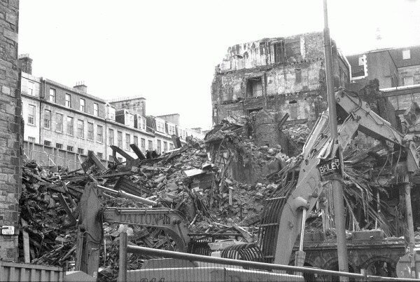 Demolishing Buildings After A Major Fire 2003
