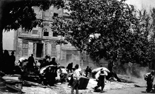 Street Scene 1920s