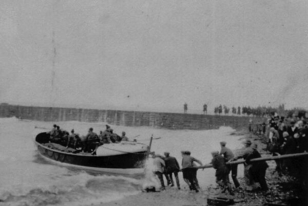Launching The Lifeboat 1927