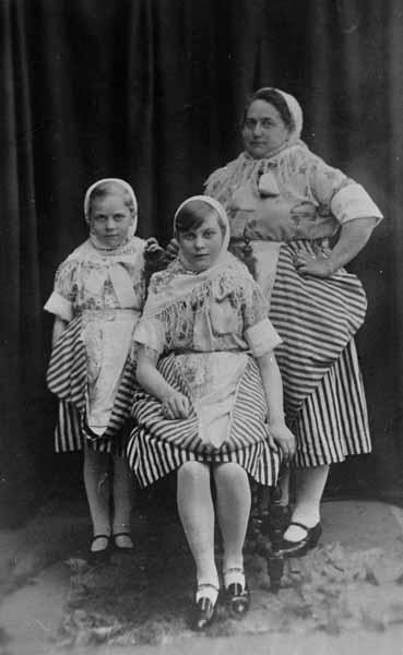 Studio Portrait Newhaven Fishwife Gala Costumes 1927