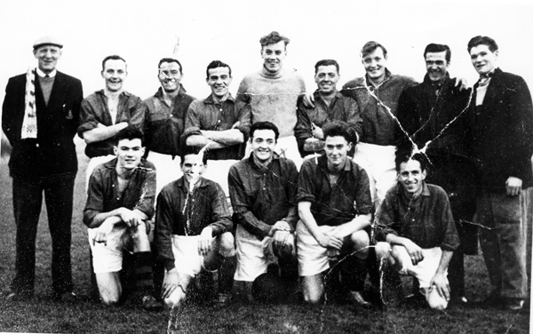 Farquhar's Bar Football Team 1949