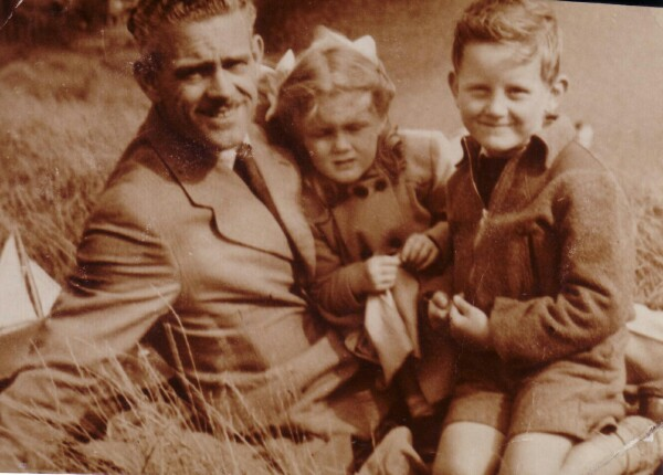 Family Outing To Holyrood Park 1952