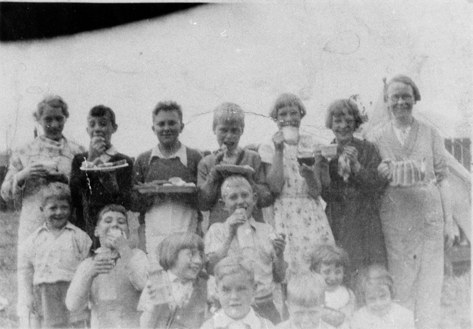 Children's Picnic At Jewel Cottages 1935