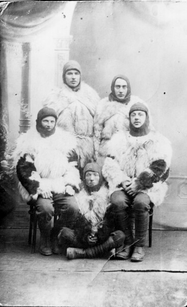 Studio Portrait Soldiers On Their Way To Norway 1914-1918