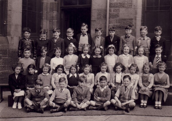 Unknown School Class Portrait 1950s