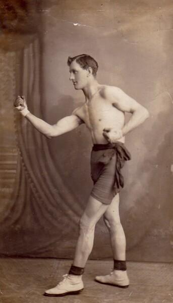 Studio Portrait Boxer 1911