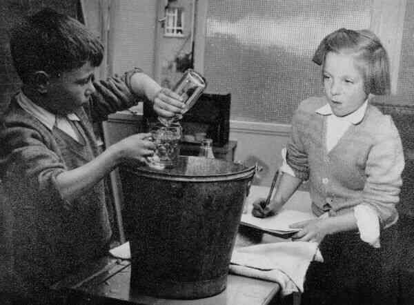 Practical Maths Class Drylaw Primary School 1950s