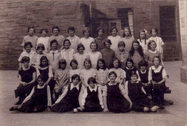 Bonnington Road School Class Portrait c.1923