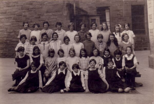 Bonnington Road School Class Portrait c.1923