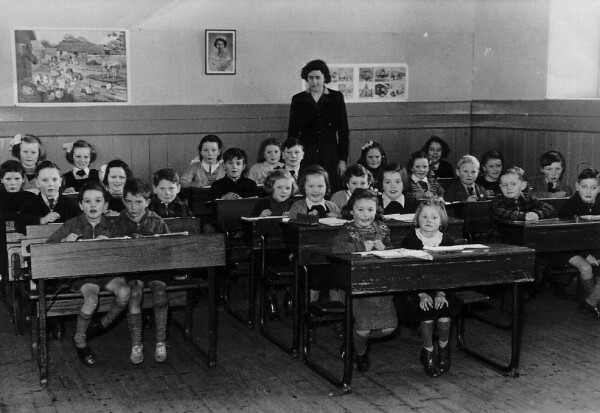 Hume Primary School All Ages 1953-54