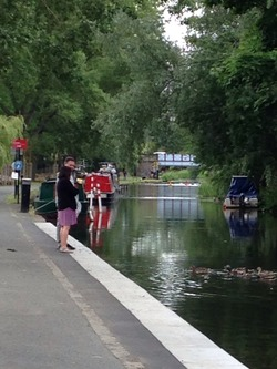 A walk along the Union Canal