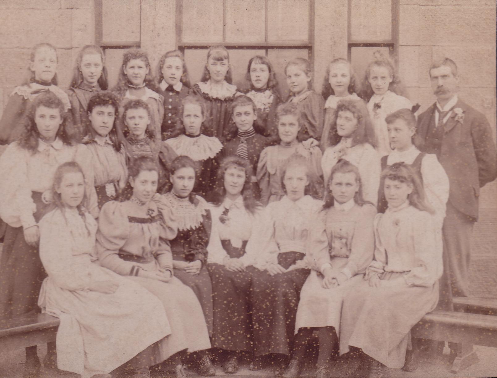 Girls Of Edinburgh Ladies College c.1896