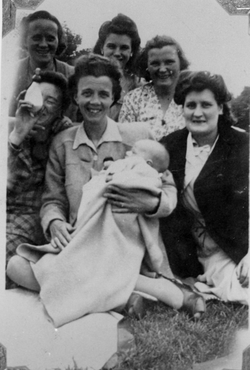 Roseburn Nursery School Picnic, July 1947