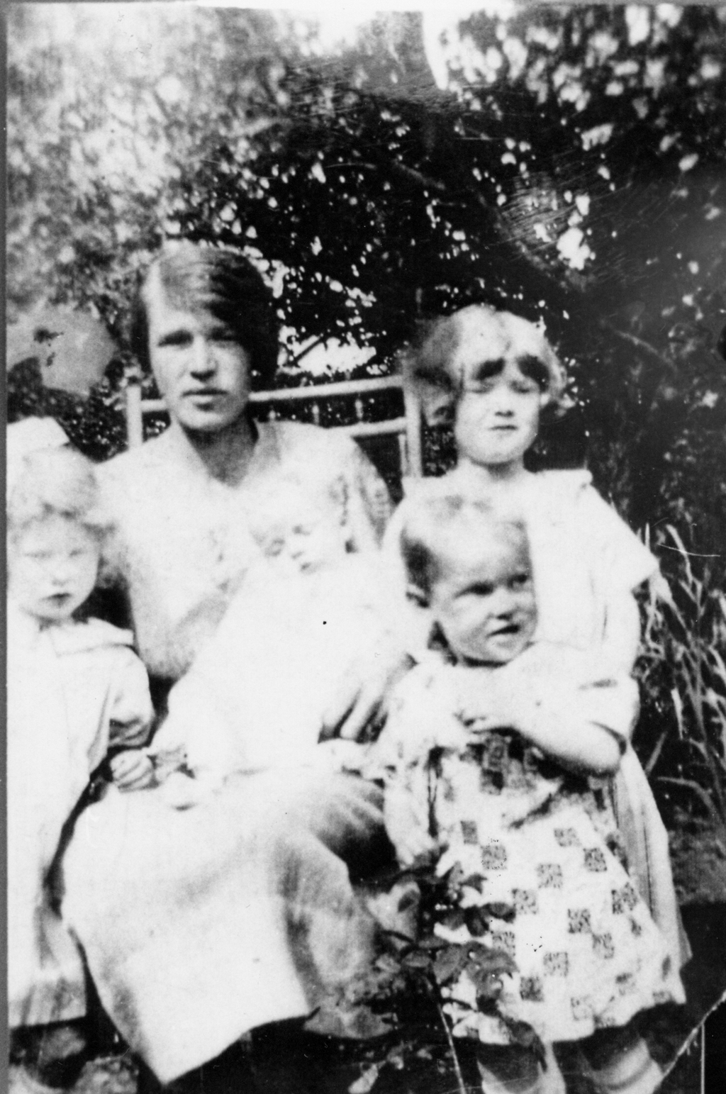 Mother And Children In Garden At Restalrig Road 1927