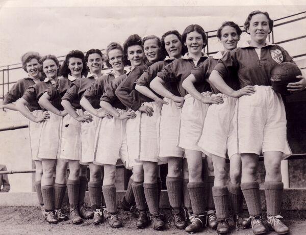 Edinburgh Dynamos Ladies Football Club Team c.1950