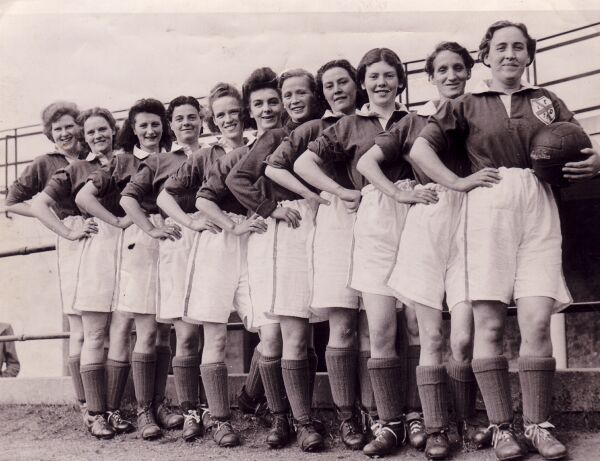 Edinburgh Dynamos Ladies Football Club Team c.1950