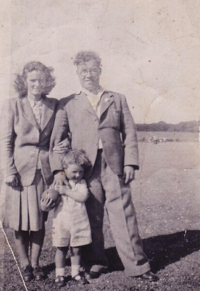 Family Out For A Walk By Dreghorn 1940s
