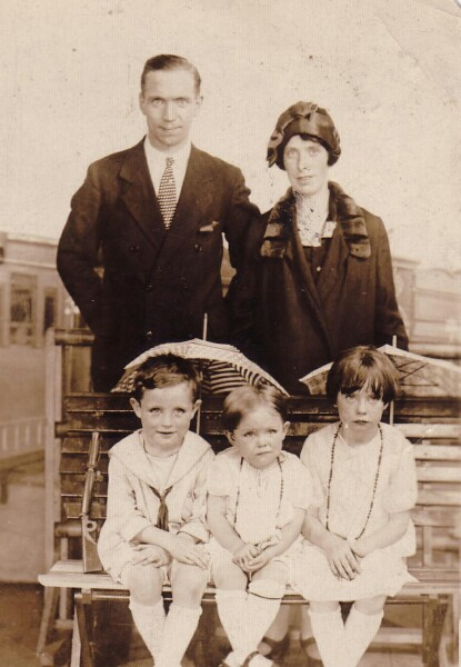 Emigrant Family, late 1920s