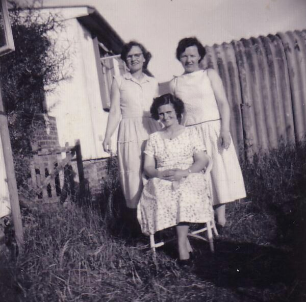 Three Ladies In Back Green At Oxgangs Grove 1950s