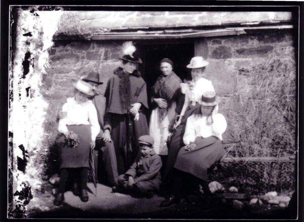 The Walker Family Of Bell's Mill On A Visit To Friends In Fife 1880s